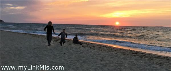 Sunset fun at Dogfish Bar