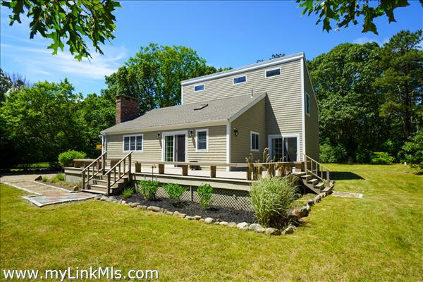 Location is steps to fresh water pond and Sengekontacket Pond access to Vineyard Sound!