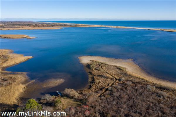 Access to Chilmark Pond