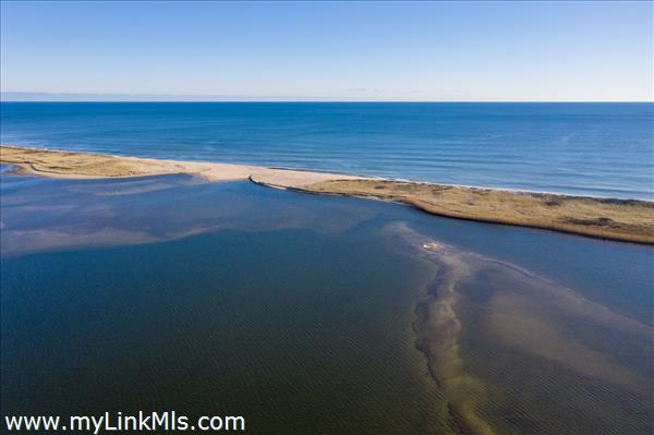 Deeded access to South Shore beach