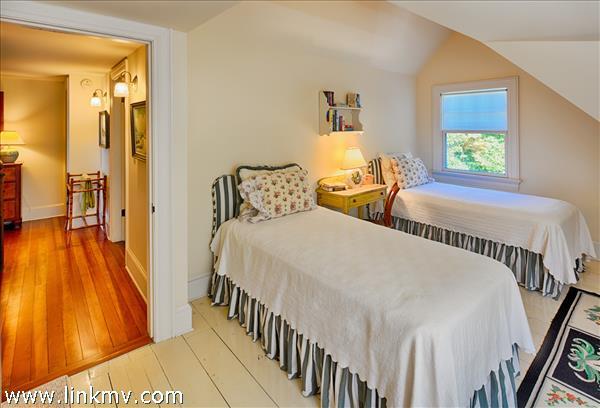 1153 Main Street Vineyard Haven MA