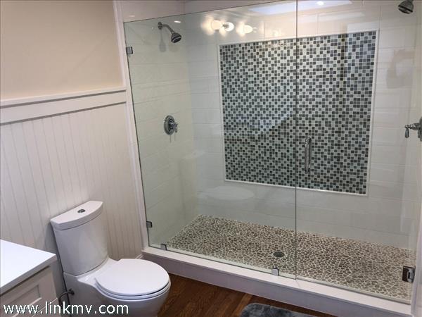 Bedroom 4, ensuite bath