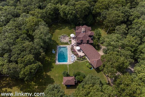 25 Flint Hill Road West Tisbury MA
