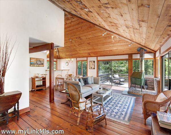 57 Christmas Hill Lane Vineyard Haven MA