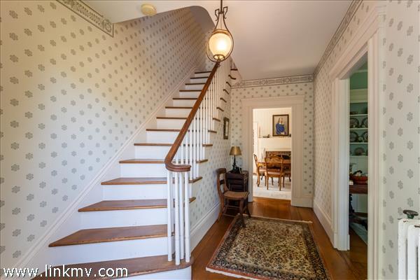 24 William Street Vineyard Haven MA