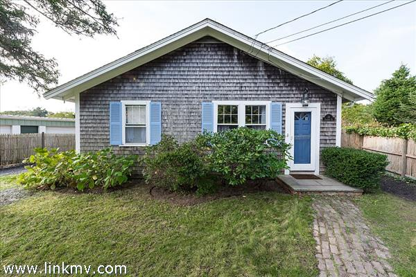 18 Pinehurst Road Edgartown MA