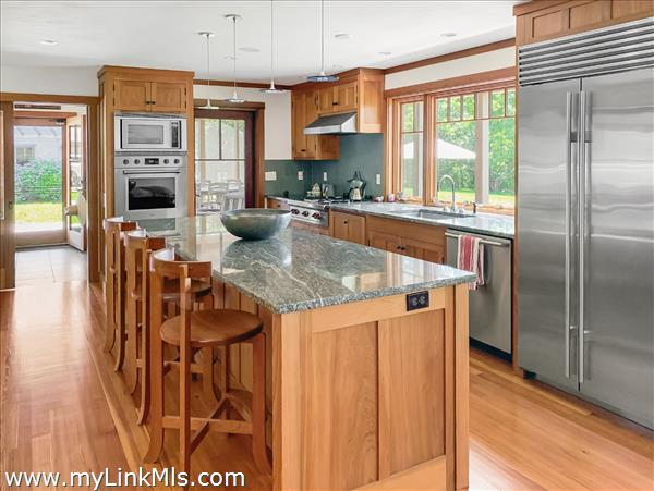 44 Forest Road West Tisbury MA