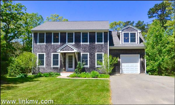 10 Eastville Avenue Oak Bluffs MA