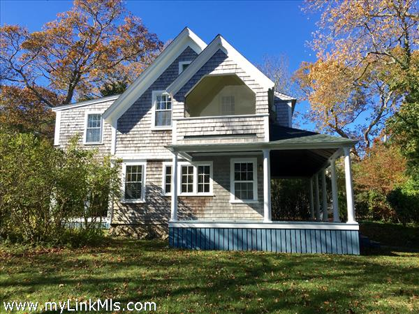7 Grove Avenue Vineyard Haven MA