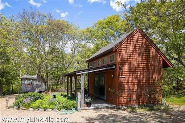 21 Tower Ridge Road Oak Bluffs MA