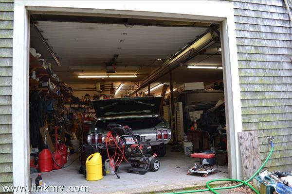 back garage of Vineyard Auto