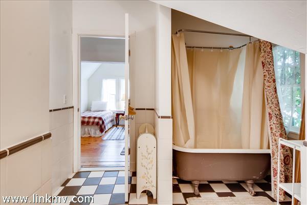 2nd floor bath for bedroom #4