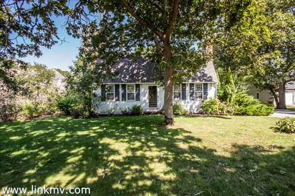 7 Vickers Street Edgartown MA