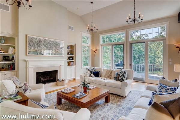 A gracious living room for gathering