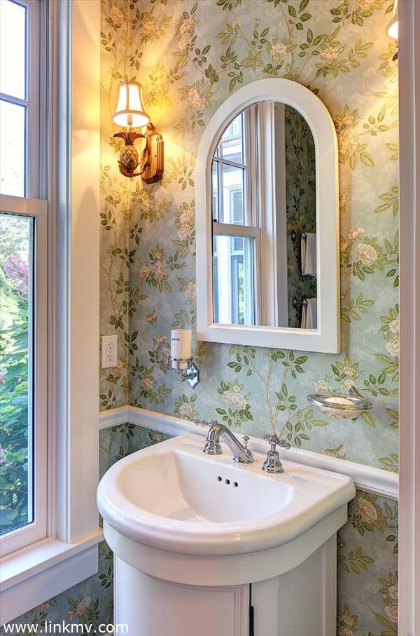 1/2 bath in newer section