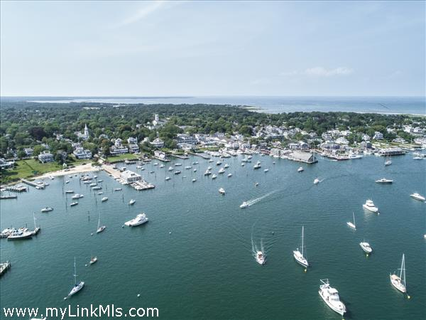 Edgartown Commons is a few blocks from beaches and the harbor.