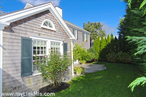 55 North Summer Street Edgartown MA