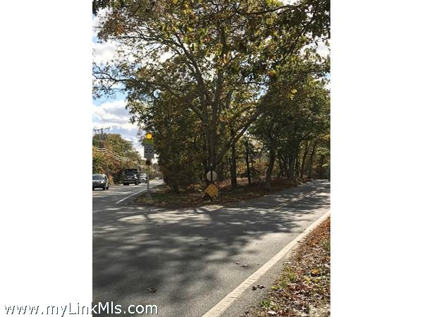 8 Indian Hill Road West Tisbury MA
