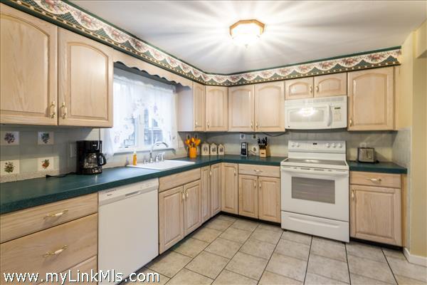 130, 132, 134 Cooke Street Edgartown MA