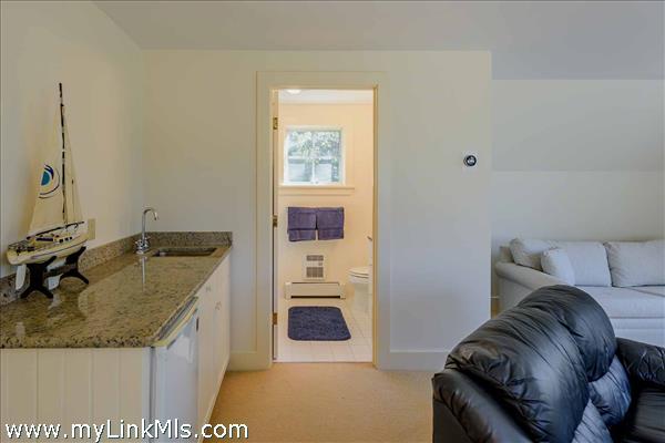 395 Barnes Road Oak Bluffs MA
