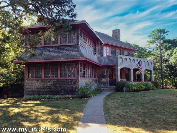232 Massachusetts Avenue Oak Bluffs MA