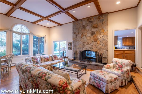 16 Witchwood Lane Edgartown MA