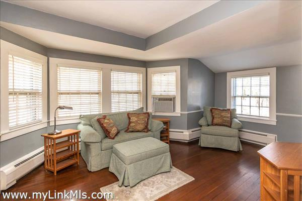 Sitting room or first floor Master.