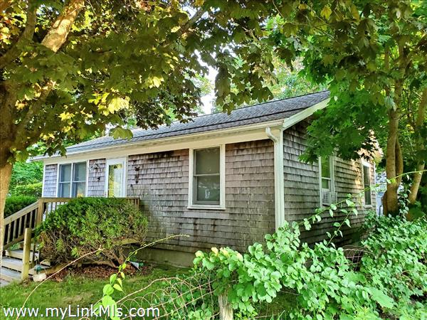 42 Pinehurst Road Edgartown MA