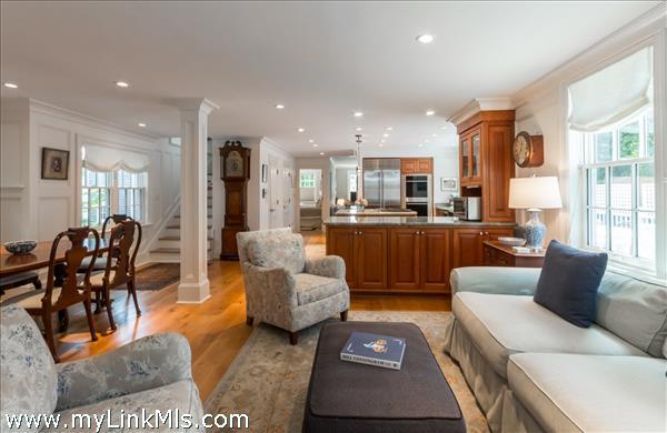 79 William Street Vineyard Haven MA