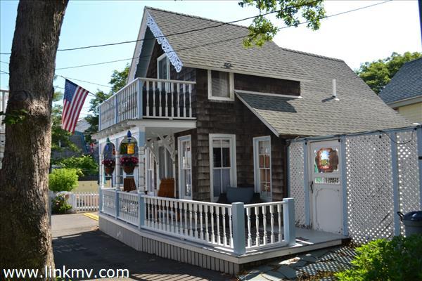 1 Hebron Avenue Oak Bluffs MA