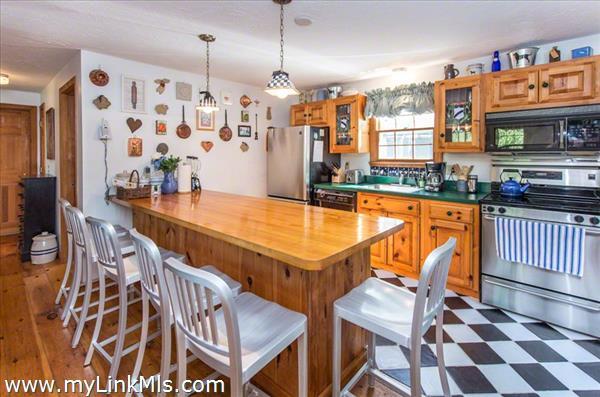 155 Skiff Avenue Vineyard Haven MA