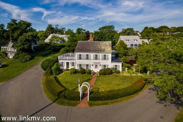 8 Atwood Circle Edgartown MA