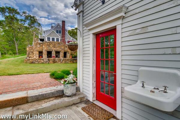 101 Memphremagog Avenue Vineyard Haven MA