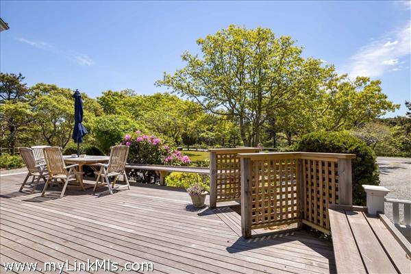 62 Schoolhouse Road Edgartown MA