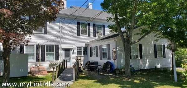 52 William Street Vineyard Haven MA