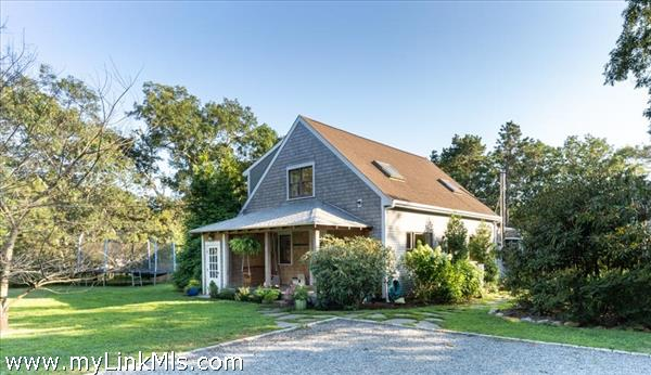 Crafty Cape with Captivating front porch