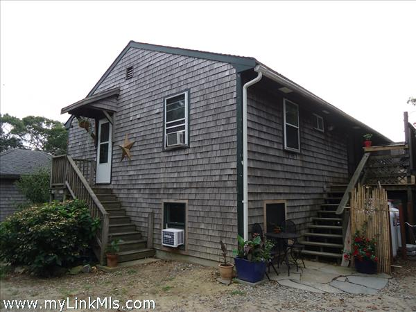 5 Village Court Vineyard Haven MA