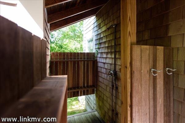 20 Tennis Lane Chilmark MA