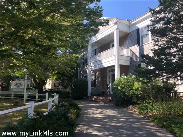 15 Mill Street Edgartown MA