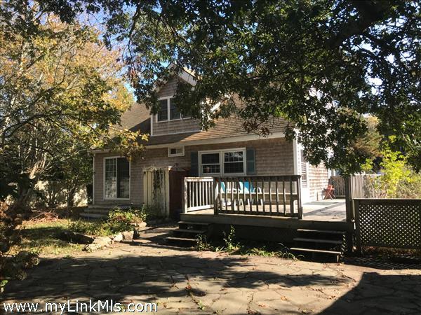 18 Pinewood Lane Oak Bluffs MA