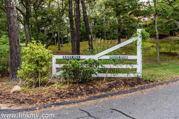 29 Bayes Hill Road Oak Bluffs MA