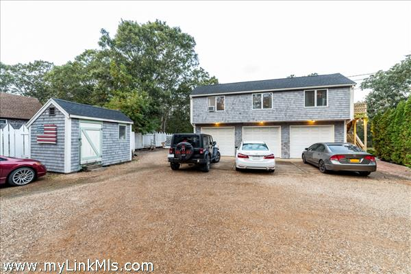 309 County Road Oak Bluffs MA