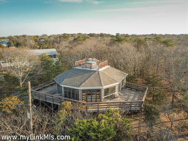 360-degree wrap around deck and exceptional roof top viewing areas