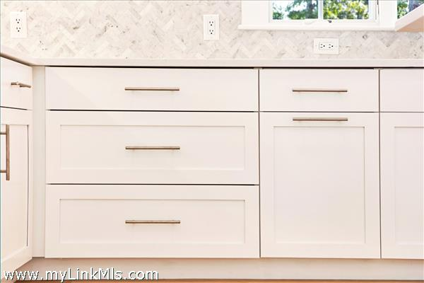 sample of cabinets and backsplash